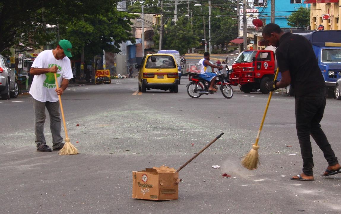 En Villa Francisca se lanzan a las calles por largos apagones