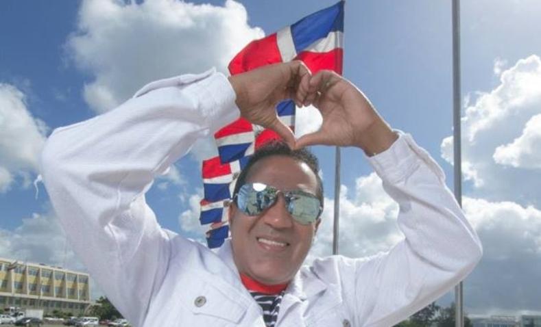 Kinito Méndez graba un merengue patriótico