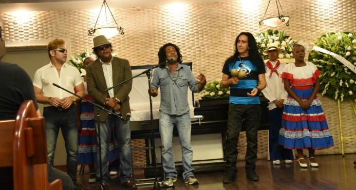 Artistas rinden tributo póstumo a Cholo Brenes