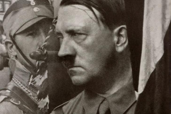 Un residente argentino, de 128 años de edad, asegura ser Adolf Hitler