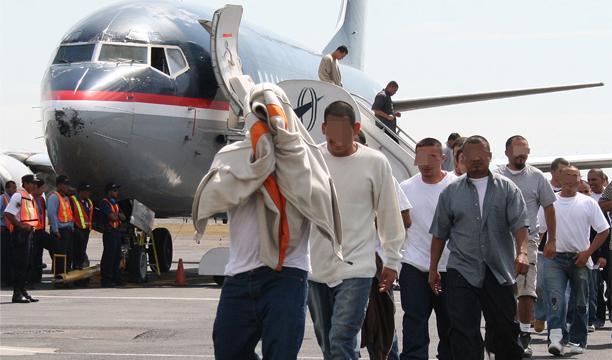 EU repatria hoy otros 88 dominicanos