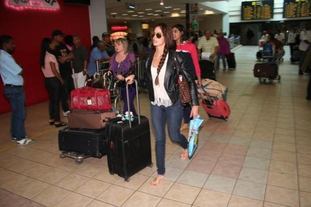 Califican abusivo aerolíneas limiten equipaje y cobren entre US$25 y US$100 primer maleta