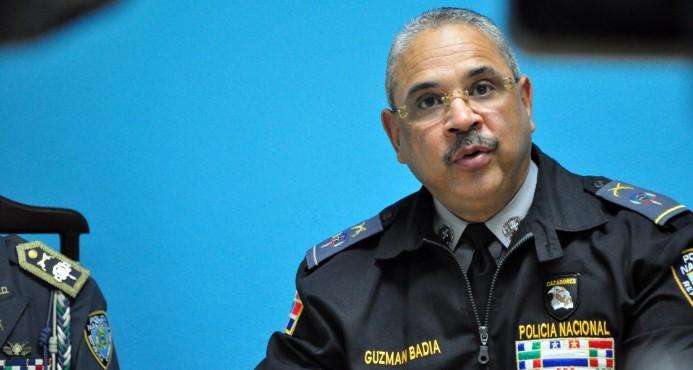 Ocho agentes policiales están arrestados y son investigados en Santiago DIME RAPIDOOOOO