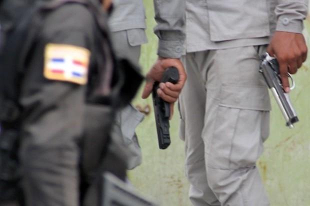 Apresan a 4 supuestos atracadores, incluido un raso FARD, acusados de herir agente PN