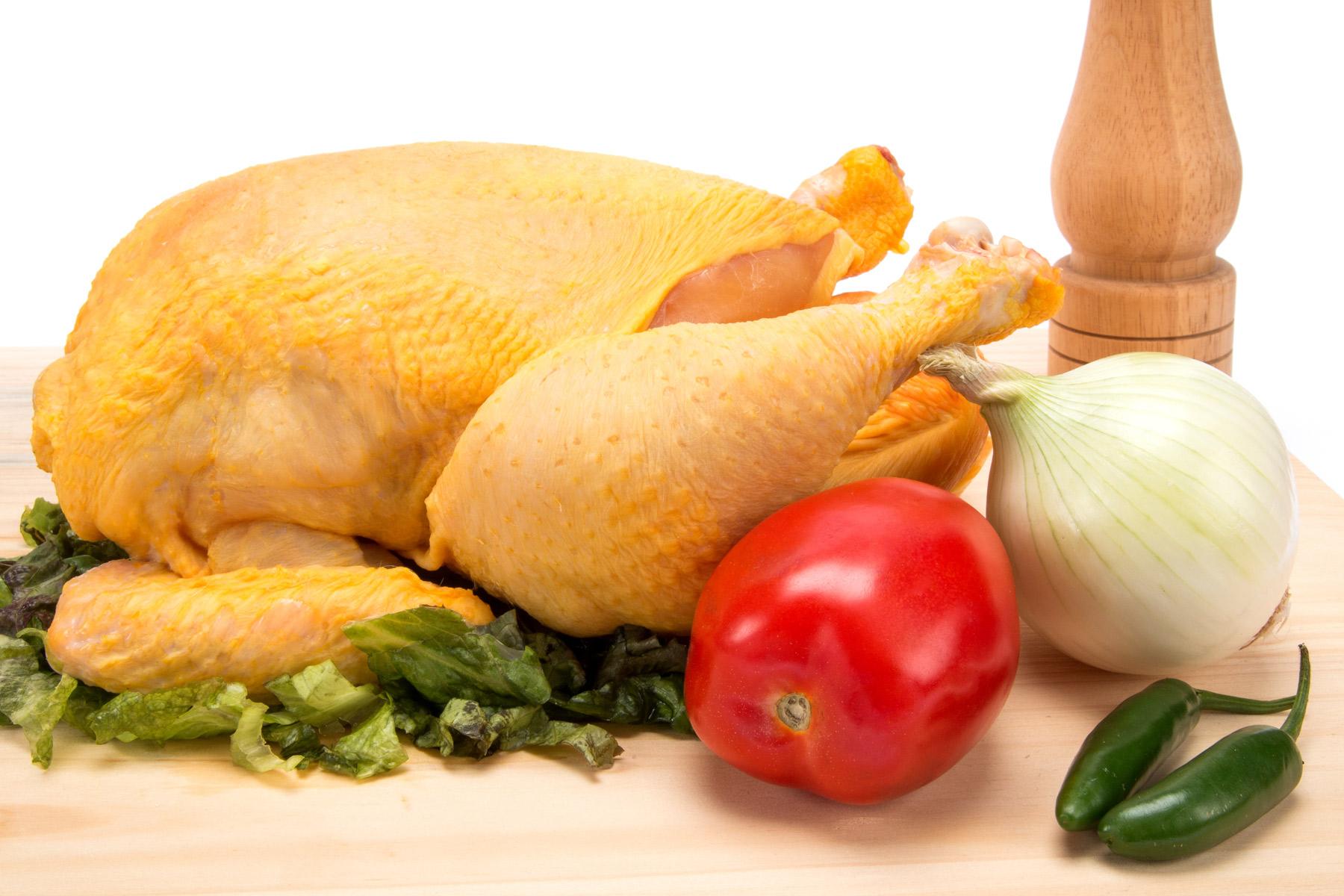Sube otra vez precio del pollo y el ajo baja