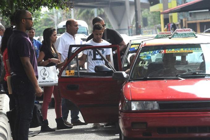 Ciudadanos gastan al menos un 17.5 % de su sueldo en transporte público