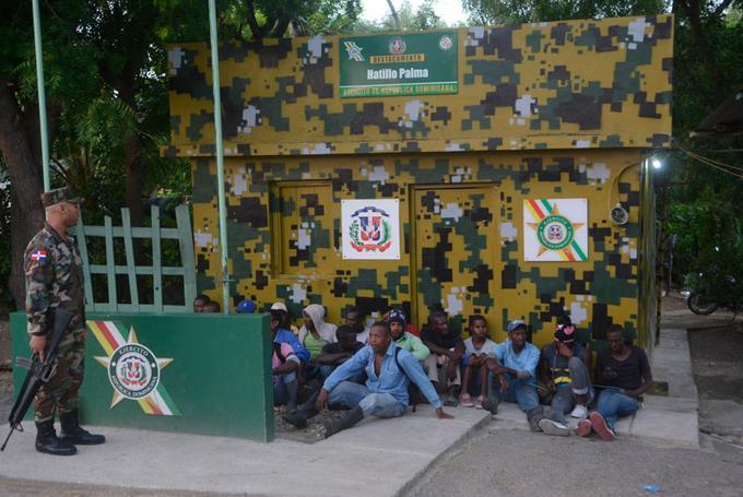 Cambian comandantes Ejército en la frontera TREMENDO NEGOCIO ESE