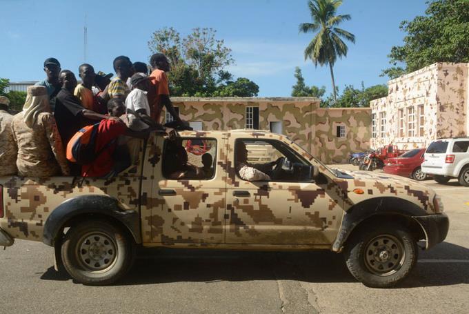Haitianos impiden el paso de dominicanos ESO ES CORRECTO CONTINÚAN LOS OPERATIVOS CONTRA INDOCUMENTADOS
