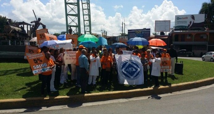 Enfermeras realizan manifestación por el 5% del presupuesto para la salud