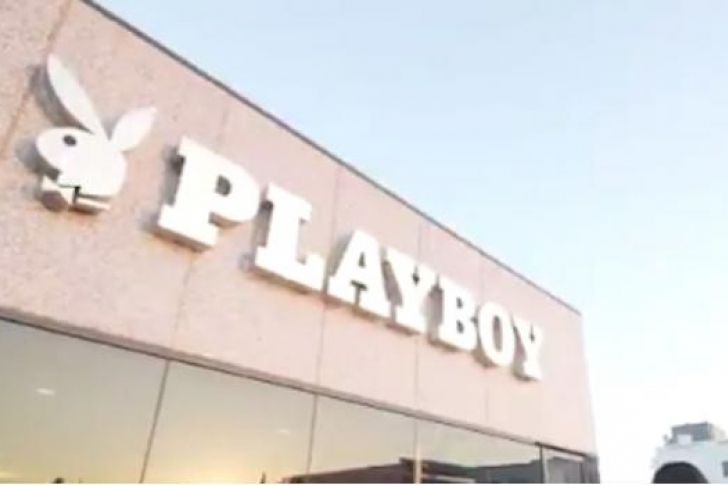 Playboy inaugura tienda de muñecas sexuales