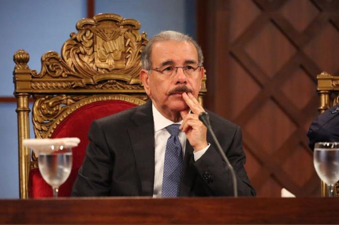 Danilo dice que no ve parcialidad en las decisiones tomadas por el TSE ESTE SEñOR CADA DIA MAS DESFRAUDA AL PUEBLO OFREZCOME QUE TIMBALES