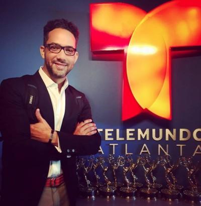 Sergio Carlo confirma salida de Chévere Nights por compromisos en Telemundo