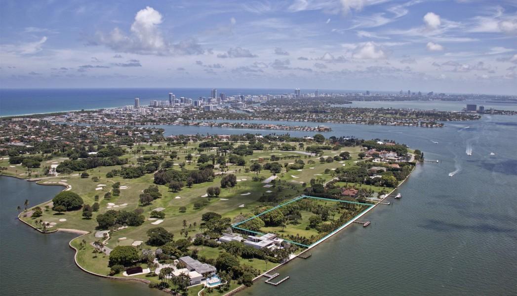 Julio Iglesias pone a la venta terreno en Miami por 150 millones de dólares