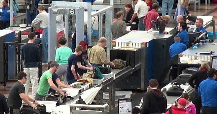 EE.UU. endurece seguridad en vuelos procedentes de 105 países