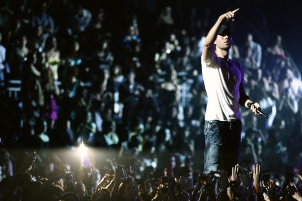 Enrique Iglesias abucheado en pleno concierto