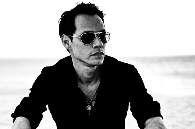 Marc Anthony pide oraciones por su madre