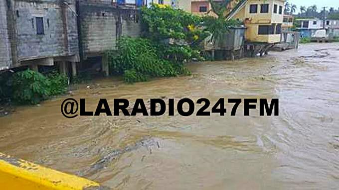 Inundaciones dañan puente en Jamao al Norte por lluvias de María HURACAN MARIA