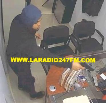 Dos jóvenes asaltan empresa dominicana en El Bronx