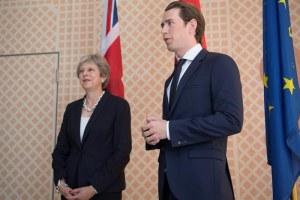 """La presidencia de la UE dice a May que es importante evitar un """"brexit duro"""