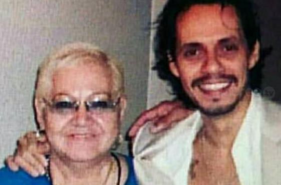 Marc Anthony añora a su madre a un año de su muerte