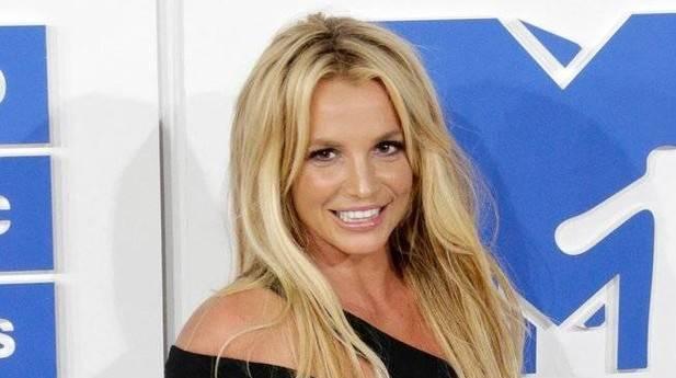 El equipo de Britney Spears prohibe el alcohol en su gira