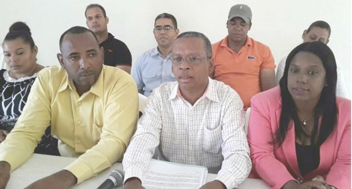 Federación Padres, Madres y Amigos escuela rechaza paralización docencia