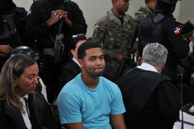 """Marlon dice que su madre es """"totalmente inocente"""" por muerte de Emely Peguero"""