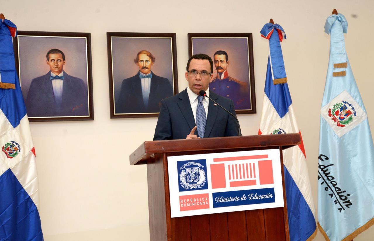 MINISTRO DE EDUCACIÓN ANDRÉS NAVARRO DEBATIRÁ CON 700 ESTUDIANTES SOBRE TEMAS NACIONALES E INTERNACIONALES
