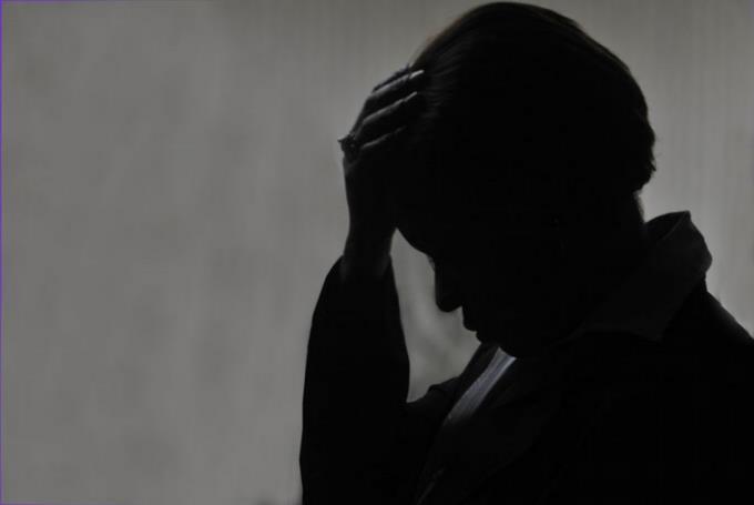 Mujer se lanza de vehículo en marcha para evitar ser violada sexualmente