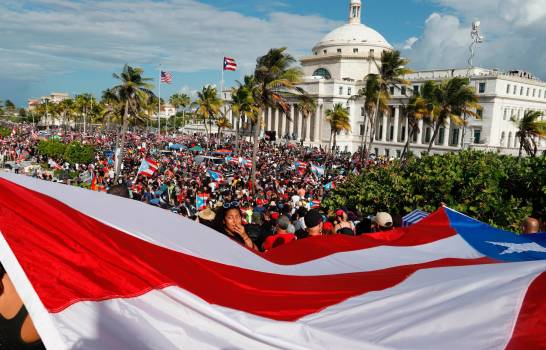 Puertorriqueños en Nueva York exigen la renuncia del gobernador de la isla