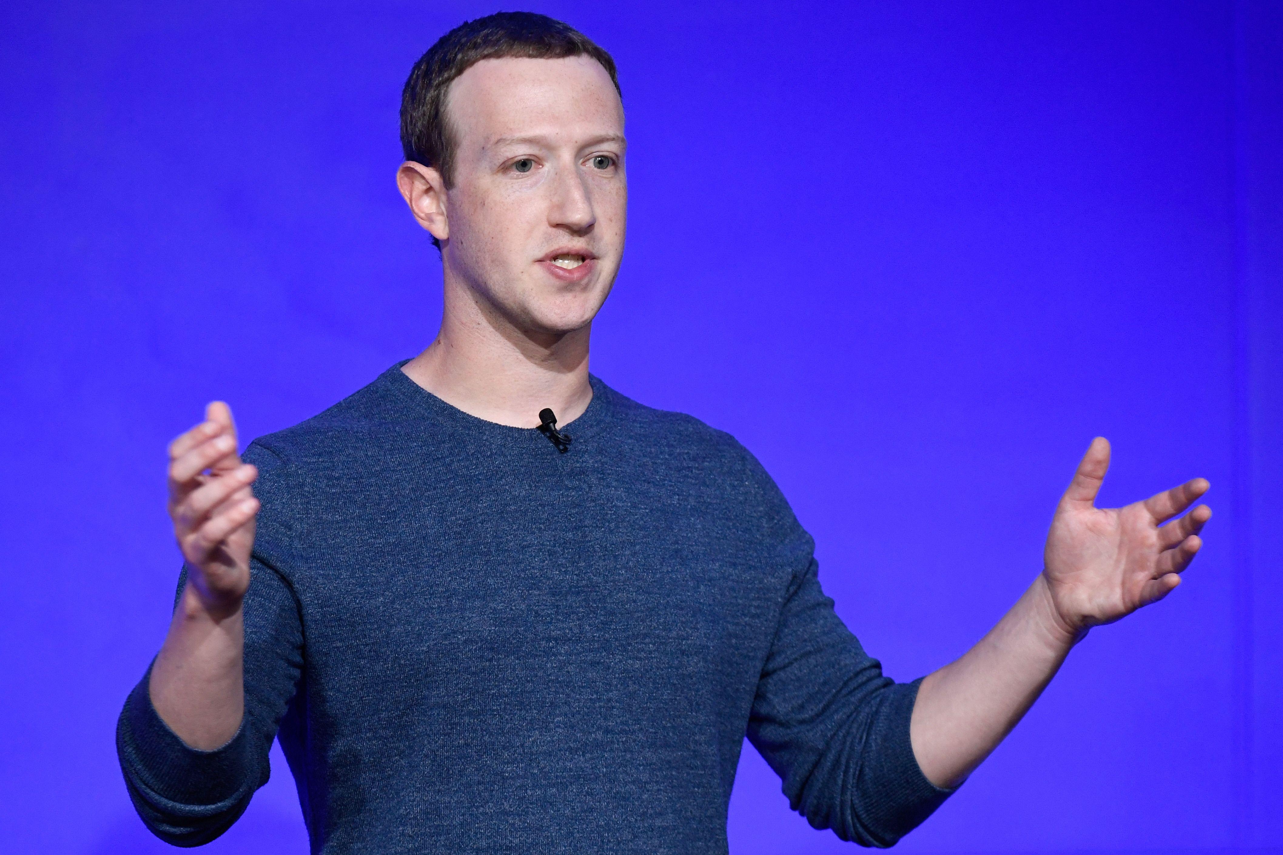 """Mark Zuckerberg dice estar listo para """"ir al combate"""" y evitar cierre de Facebook"""