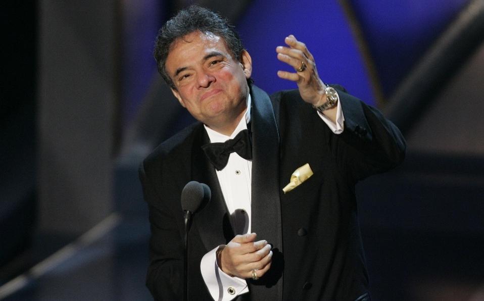 Familiares y celebridades despiden a José José en Miami