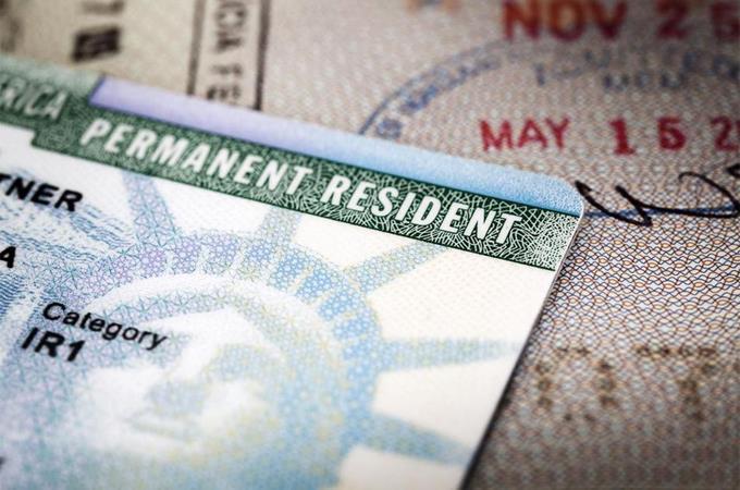 """EEUU: Juez impide negar """"green card"""" a inmigrantes pobres"""