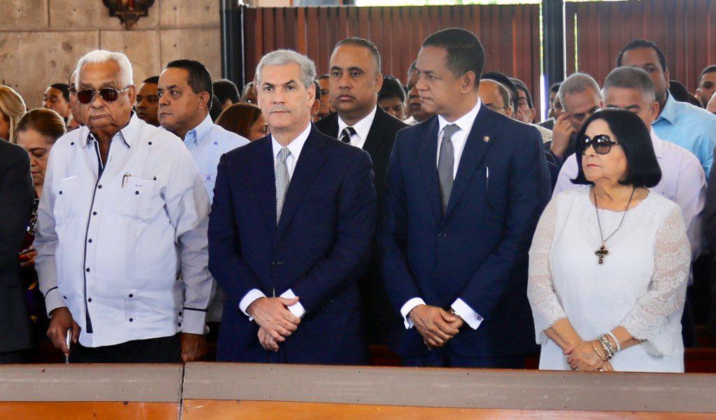 Gonzalo Castillo encabeza en La Vega, actos conmemorativos del 18 aniversario del fallecimiento de Juan Bosch