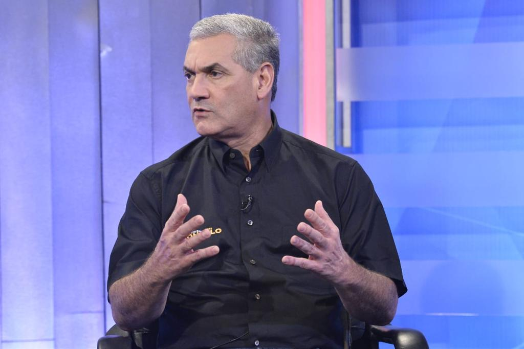 GONZALO CASTILLO EXPRESA SENTIDAS CONDOLENCIAS AL PRESIDENTE DANILO MEDINA POR FALLECIMIENTO DE SU PADRE