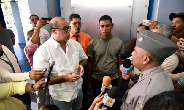 José de Jesús Bautista policia que renuncio en medio de las protestas