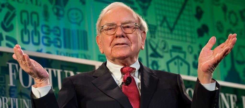Warren Buffett finalmente cambió su teléfono plegable Samsung por un iPhone
