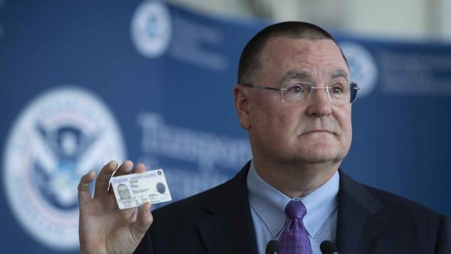 La mayoría de los estadounidenses necesitarán un nuevo documento para viajar a partir de octubre